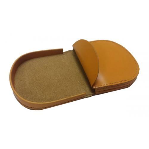 1279a20d8 Clásico monedero de tacón fabricado en piel de vacuno de máxima calidad.  Está diseñado para llevar monedas y billetes. Cuero de color liso, ...