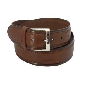 Cinturón de cuero marrón para hombre.