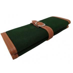 Joyero de cuero verde.